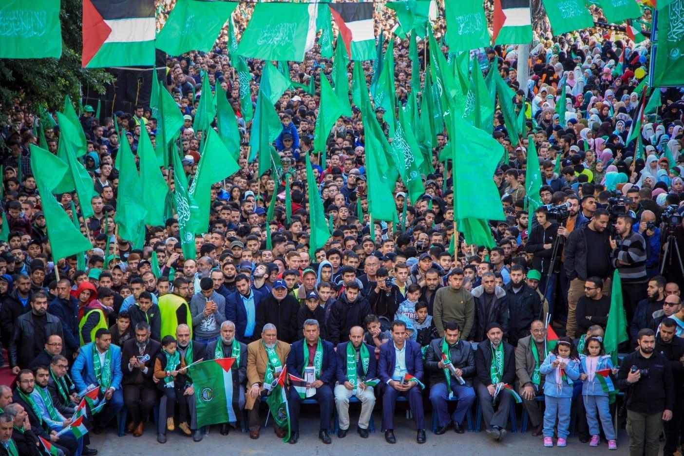 شاهد: حماس تُحيي ذكرى انطلاقتها الـ32 في غزة