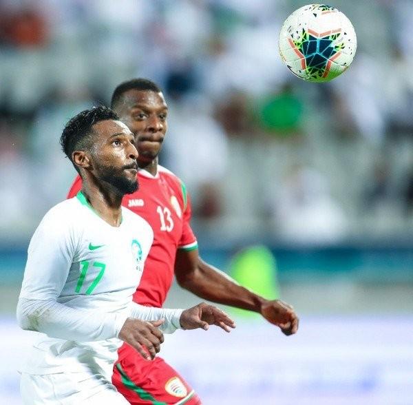 السعودية تتأهل لنصف النهائي على حساب عمان