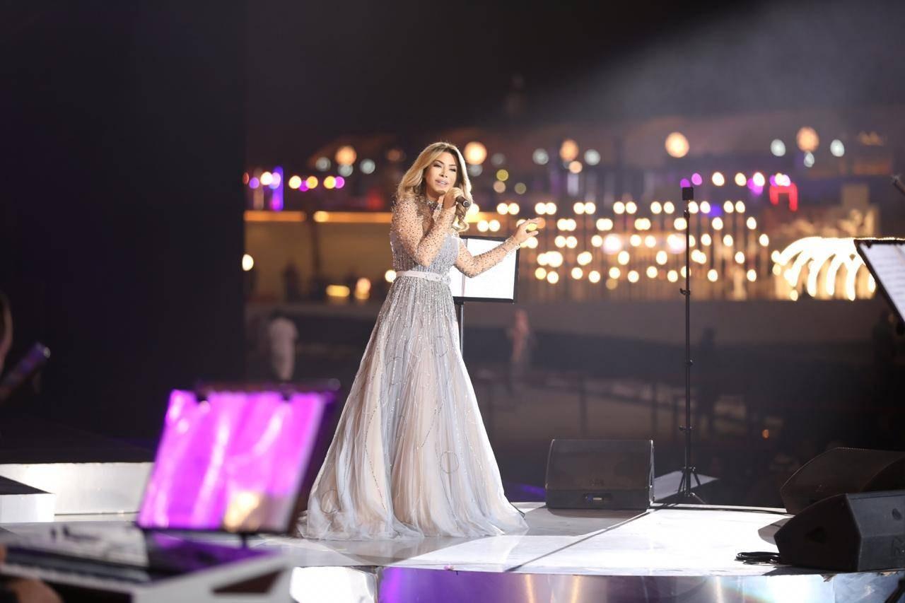 """شاهدوا: الفنانة اللبنانية """"نوال الزغبي"""" تشعل الرياض في واحدة من أنجح حفلاتها!"""