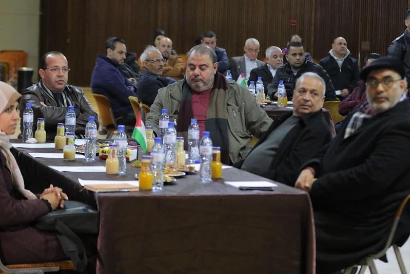 البلدة تعقد لقاء تشاوريًا لمناقشة مشروع تطوير الواجهة البحرية لمدينة غزة
