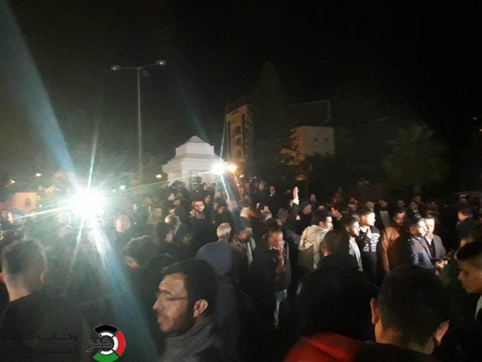 مظاهرات ليلية في غزة رفضاً لمؤامرة صفقة القرن الأمريكية