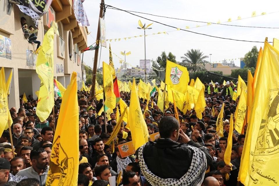 بالفيديو والصور: الآلاف يُحيون الذكرى الـ55 لانطلاقة الثورة الفلسطينية وحركة فتح في غزّة