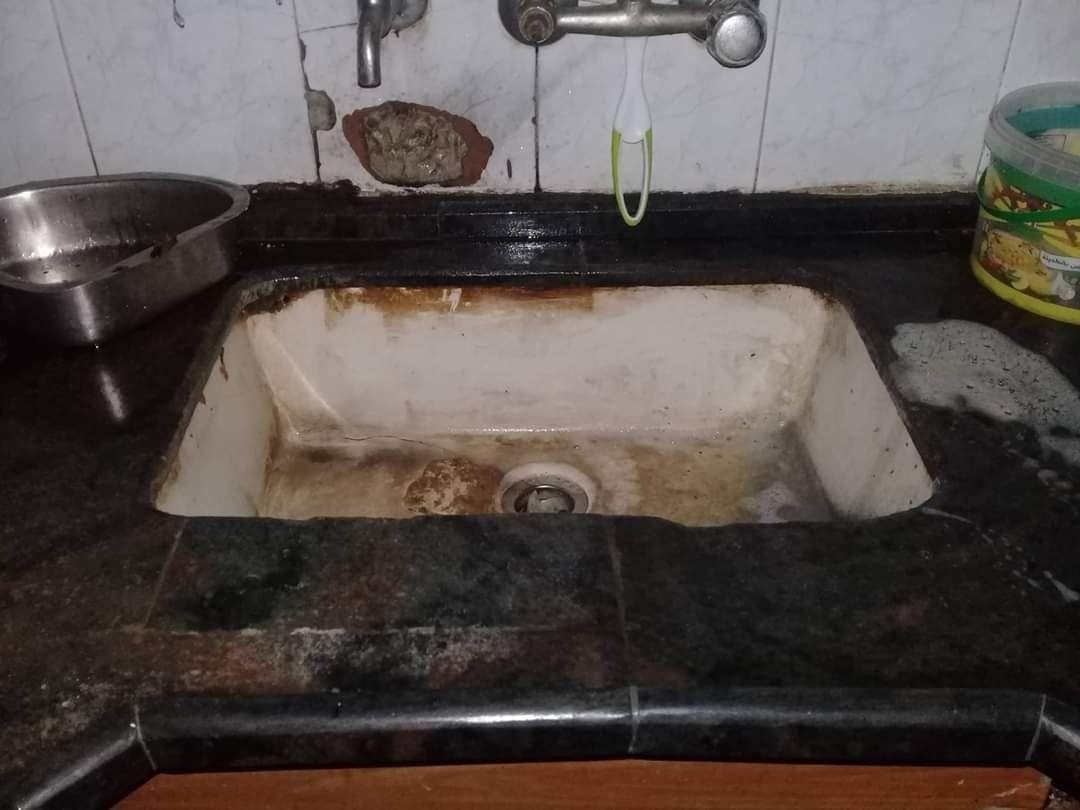 شاهد: إغلاق مطعم في جنوب قطاع غزّة بعد العثور على آثار فئران داخله