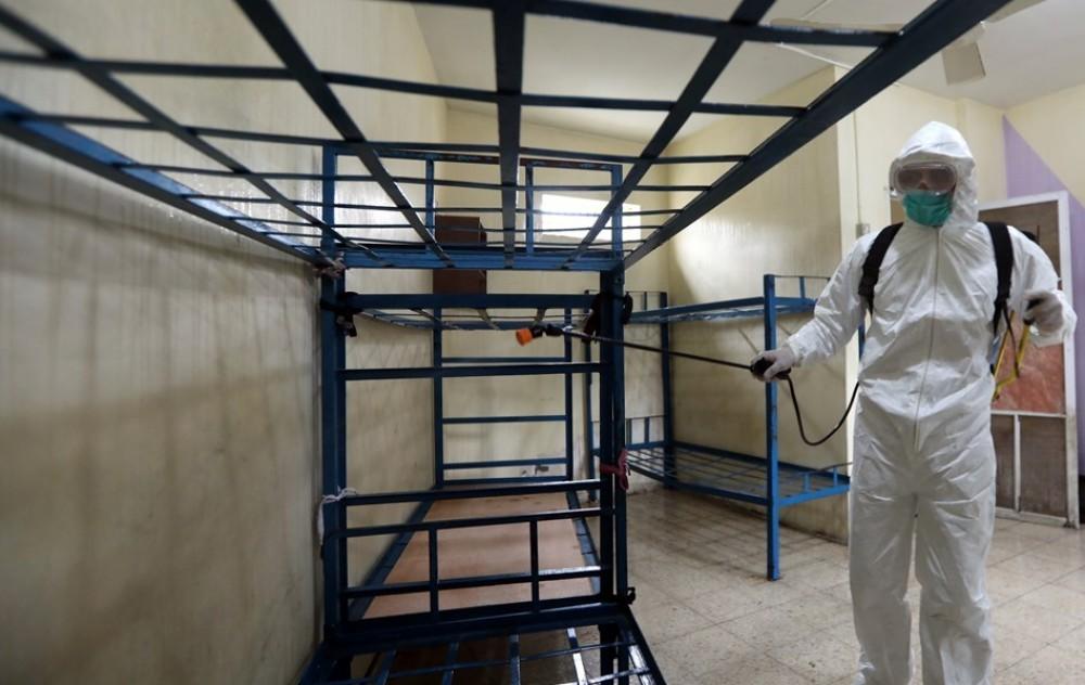 """الشرطة بغزة تشرع بسلسلة إجراءات لمواجهة """"كورونا"""""""
