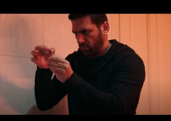 """بالفيديو: الحلقة 29 من مسلسل """"شاهد عيان"""" حقيقة قتل حسن الرداد لوالدته وابنته"""