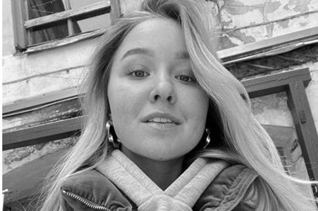 """بالصور: جمعت ثروة طائلة بسن """"الطفولة""""وماتت وعمرها 18 عاما"""
