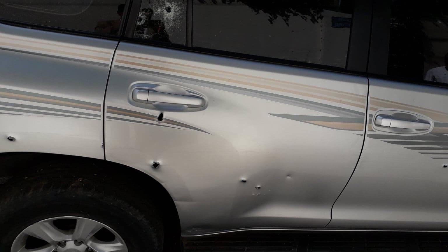 شاهد: إطلاق النار على مركبة محامي في غزّة.. والنقابة تستنكر!!