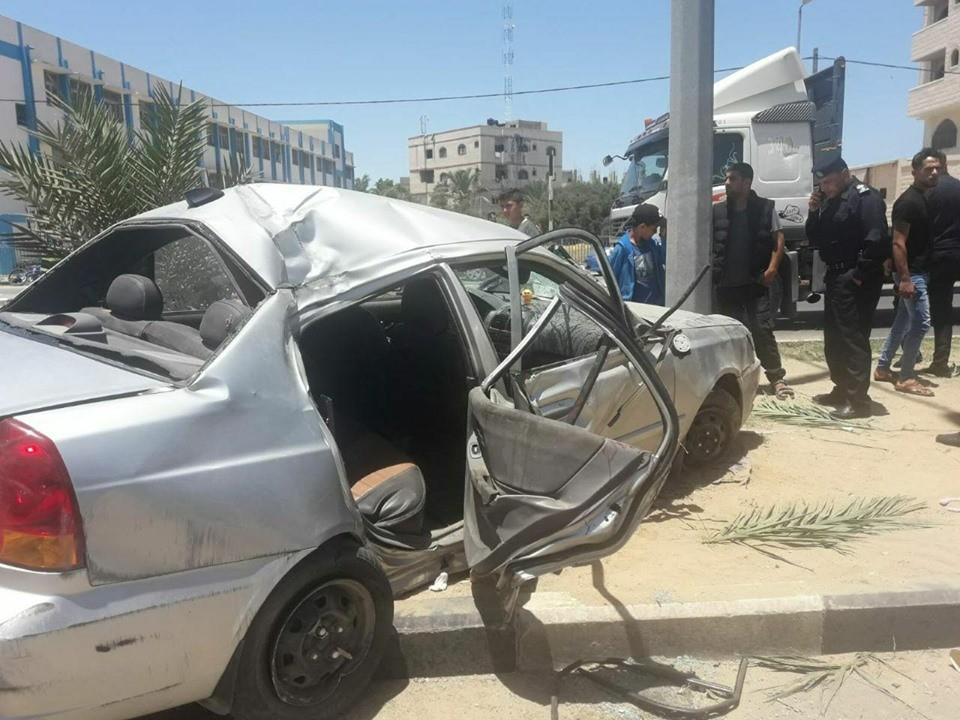 وفاة طفل وإصابة آخرين في حادث سير وسط قطاع غزة