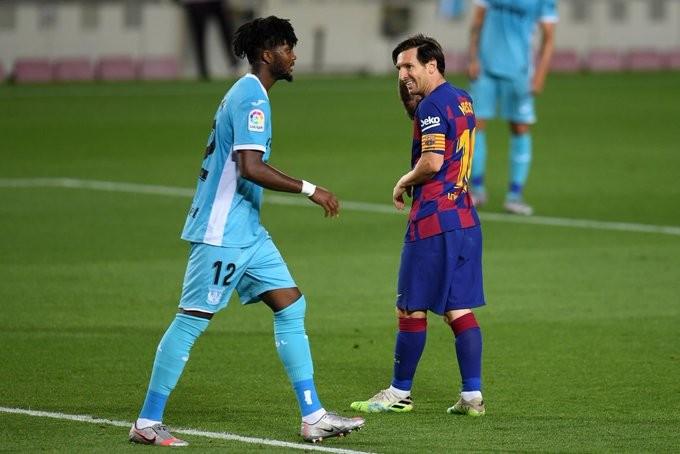 بالصور : برشلونة يتربع على عرش الليجا بفوز باهت على ليغانيس