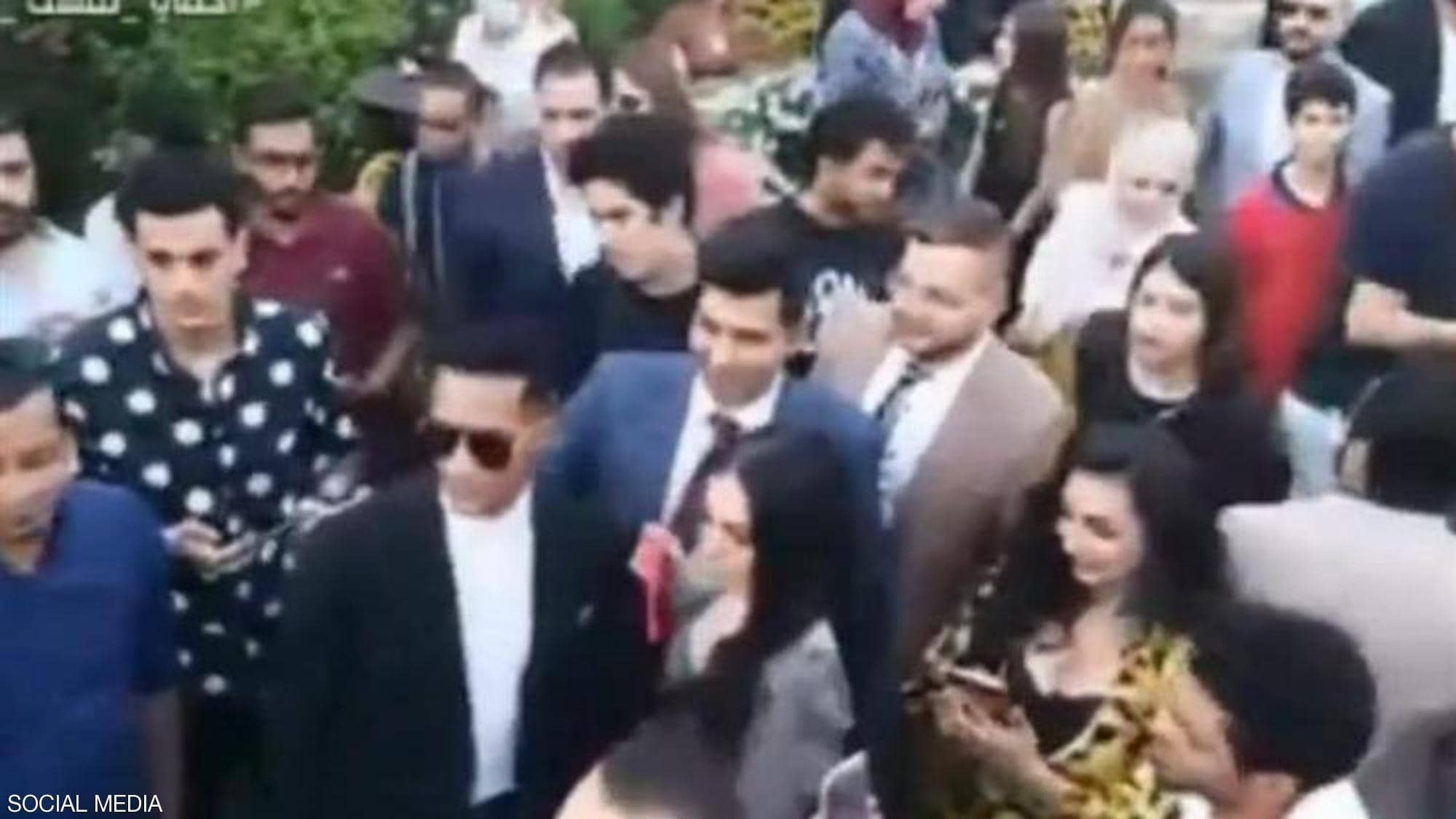"""شاهدوا:  حفل زفاف شقيقة النجم المصري """"محمد رمضان"""" ينتهى في قسم الشرطة!!"""