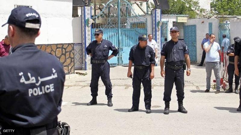 """صورة: جريمة """"مروّعة"""" في """"الجزائر"""".. شرطي يقتل 4 أفراد من عائلة واحدة"""