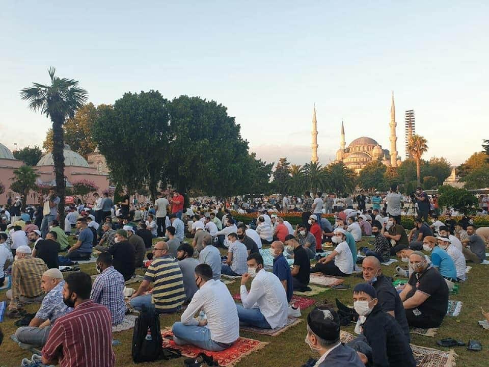 """إقامة صلاة العيد للمرة الأولى منذ 86 عاما في """"آيا صوفيا"""""""