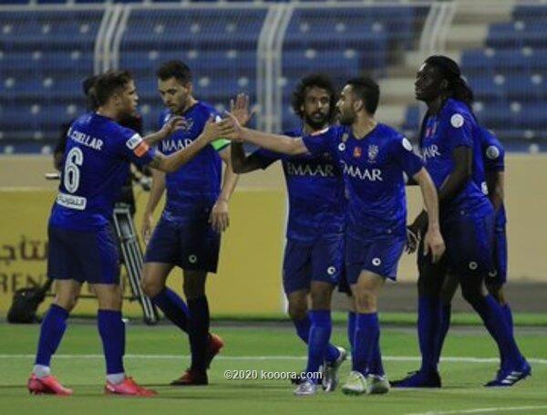 بالصور: الهلال يسحق العدالة ويقترب خطوة من لقب الدوري السعودي