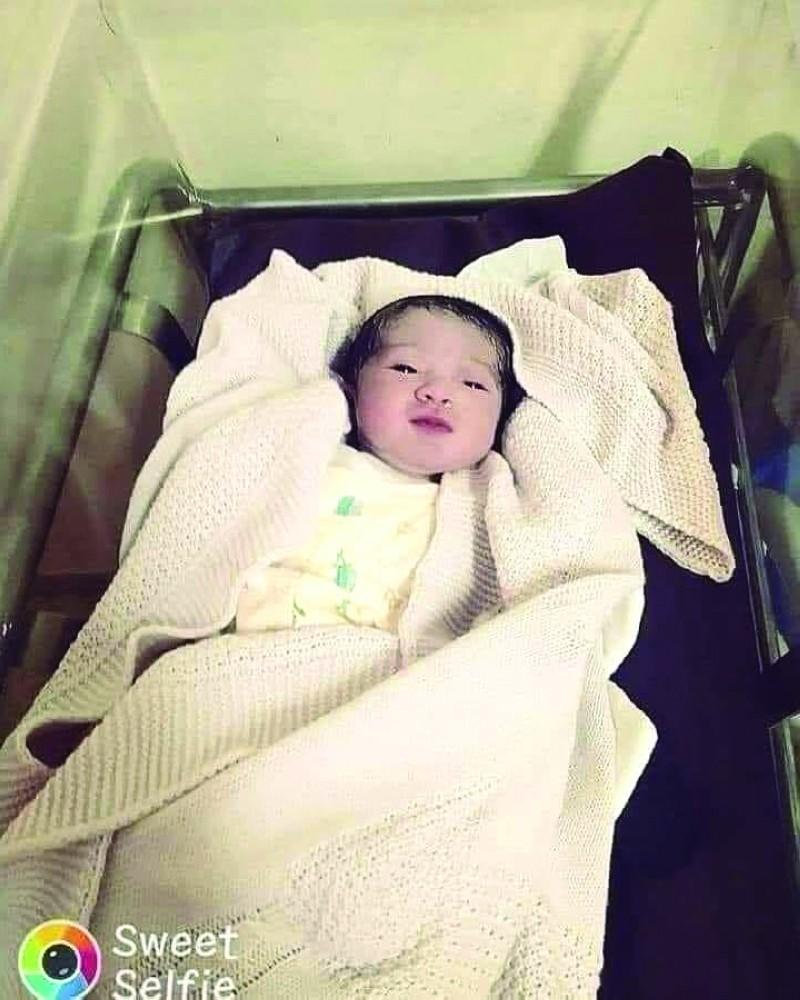 """شاهدوا: عائلة """"فلسطينية"""" تطلق اسم """"بيروت"""" على مولودتها الجديدة"""