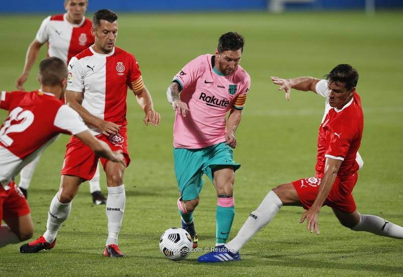 بالصور : ميسي يقود برشلونة للفوز على جيرونا بثلاثية في مباراة ودية