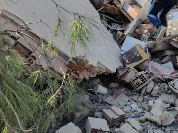 12 قتيلاً ومئات الإصابات إثر زلزال أزمير في تركيا