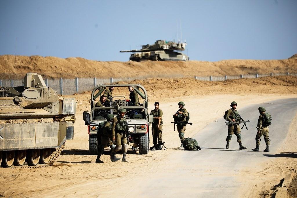 الاحتلال يواصل نصب السياج الفاصل مع قطاع غزة تحت وفوق الأرض