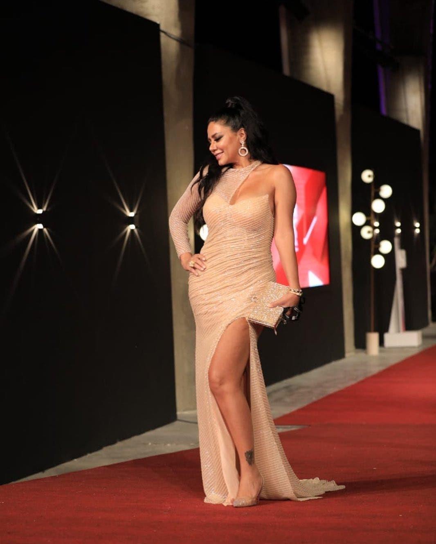 فستان رانيا يوسف.jpg