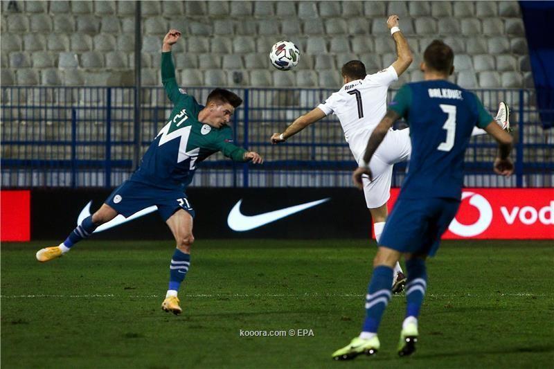 شاهد: سلوفينيا تتعادل مع اليونان وتتأهل للقسم الثاني