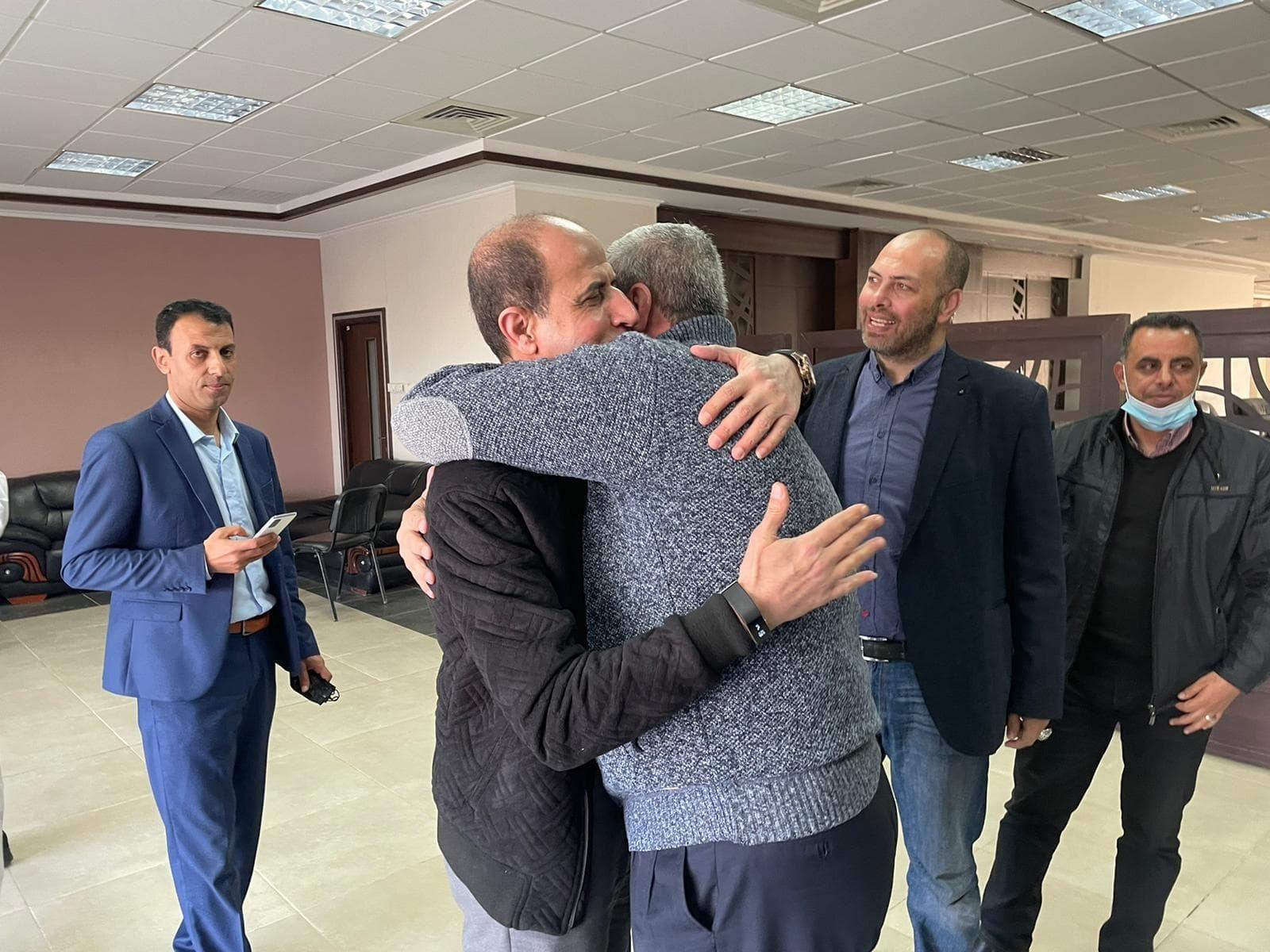 شاهد: وصول القيادي في تيار الإصلاح بحركة فتح عبد الحكيم عوض إلى غزّة