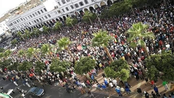 مسيرات حاشدة في المدن المغربية تضامنًا من شعبنا وتنديدًا بالعدوان الإسرائيلي