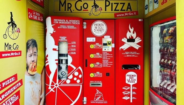 60788-الة-صنع-البيتزا-فى-روما-(1).jpg