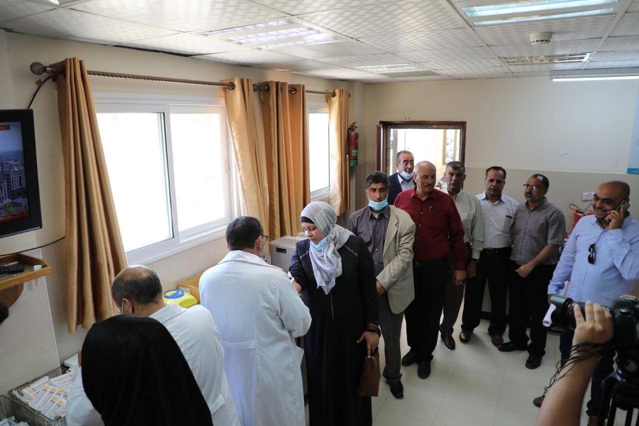 """شاهد: قائمة """"المستقبل"""" تُنظم وقفة تضامنية مع وسائل الإعلام في مجمع الشفاء بغزّة"""