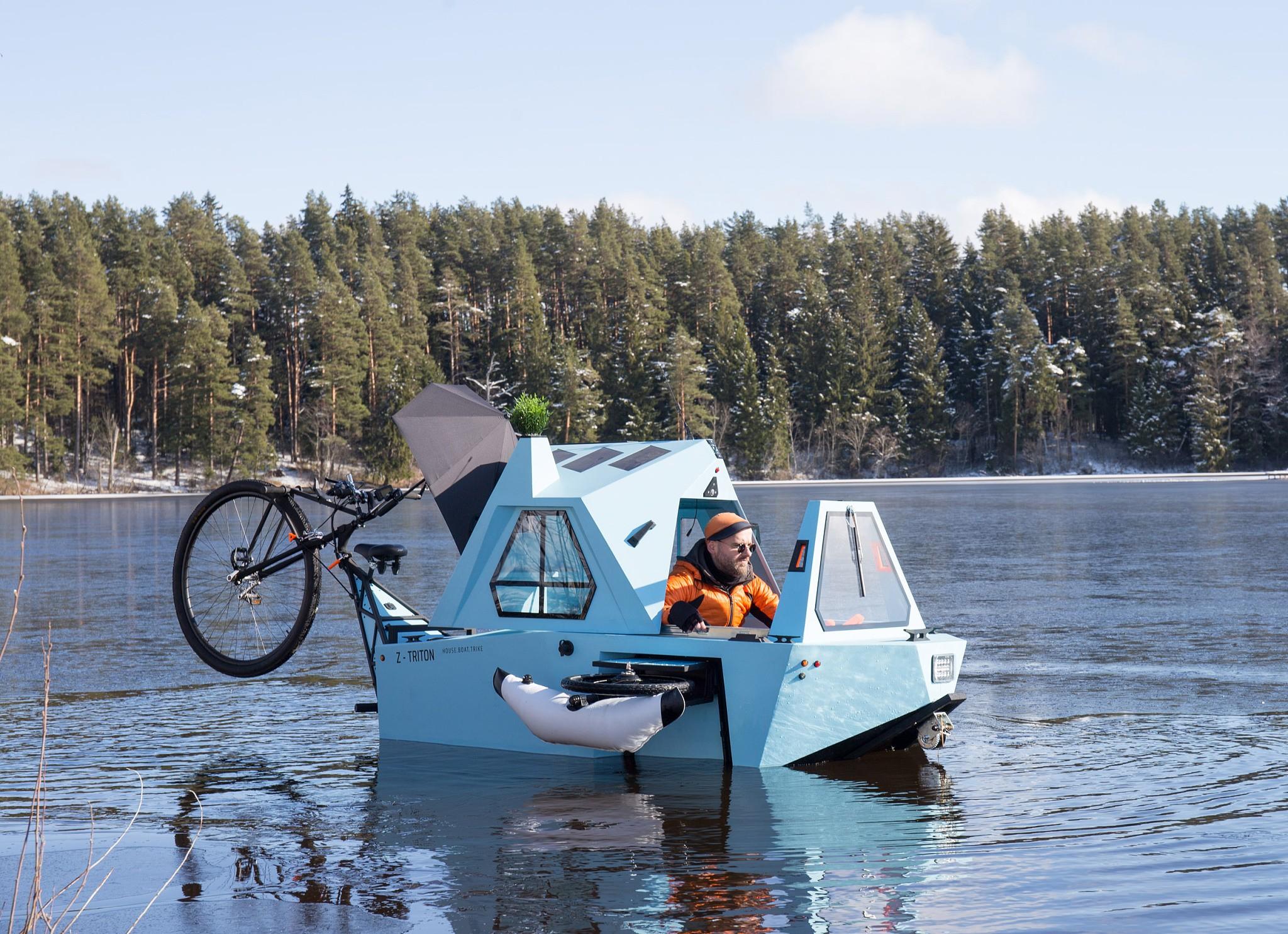 1003670-عربه-متنقلة-تسير-على-الماء.jpg