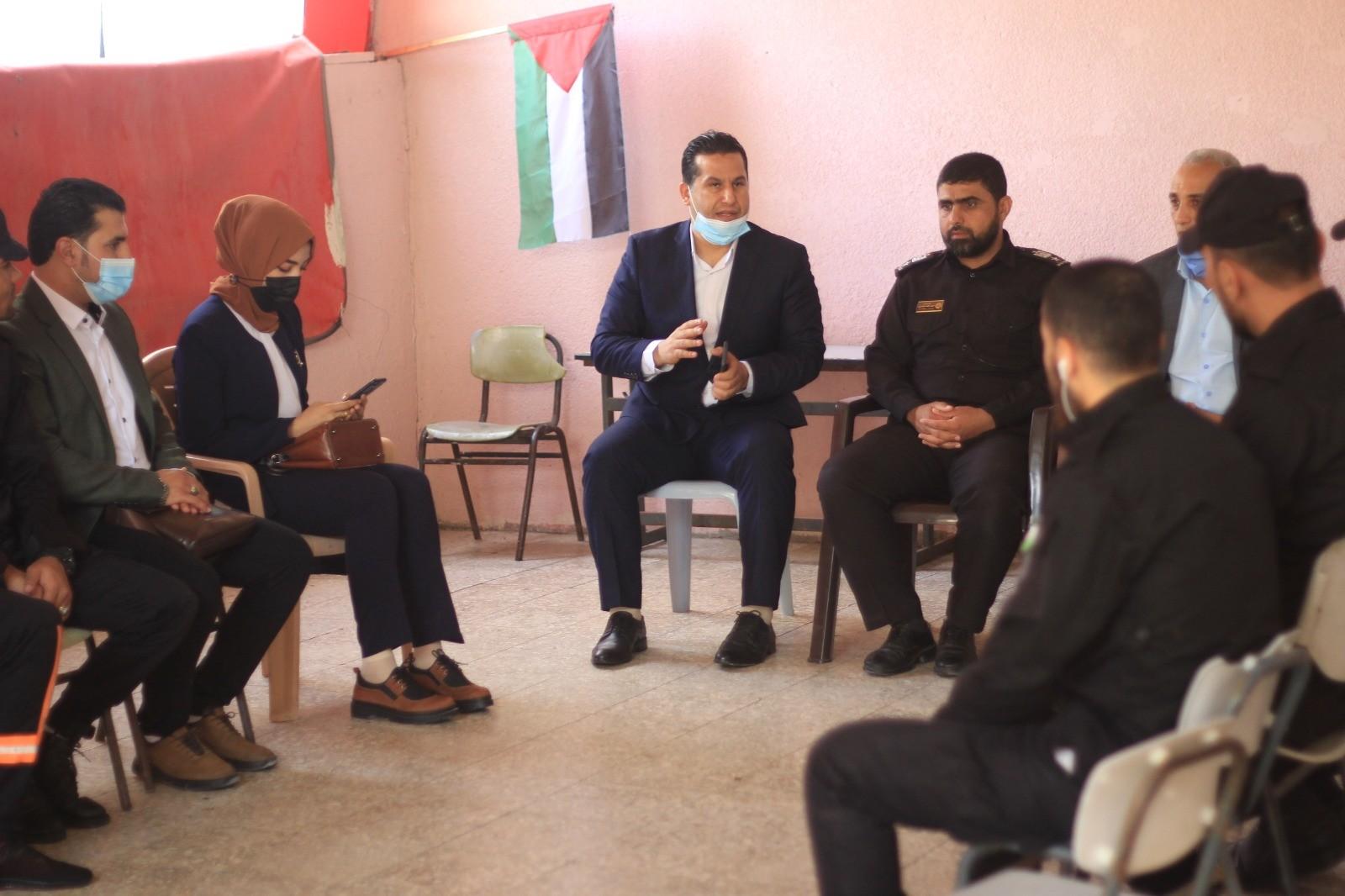 """""""الكلية العربية"""" تنظم سلسلة زيارات تضامنية لمؤسسات المجتمع المحلي والمدني"""