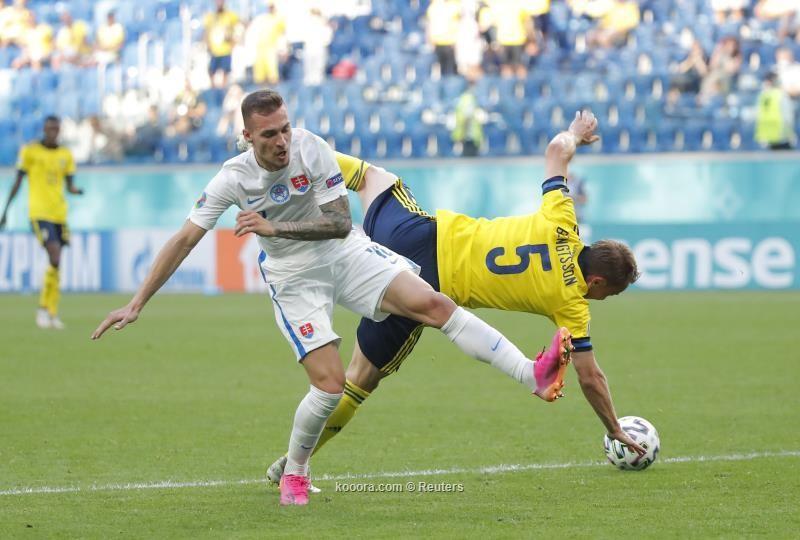 بالصور.. السويد تتخطى سلوفاكيا بضربة فورسبيرج