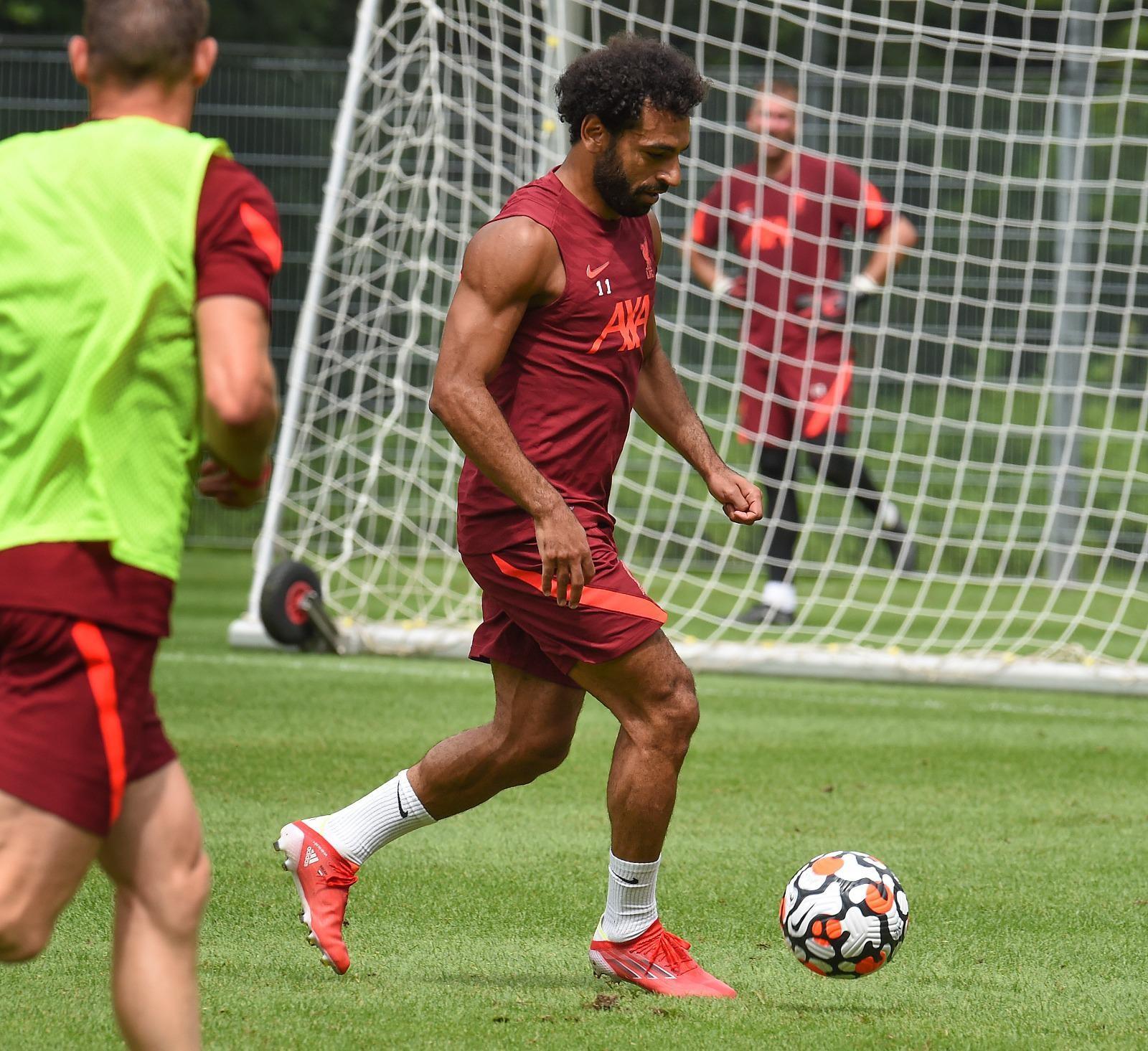 بالصور :  صلاح ينشر صورا من تدريبات ليفربول بعد وصوله إلى النمسا