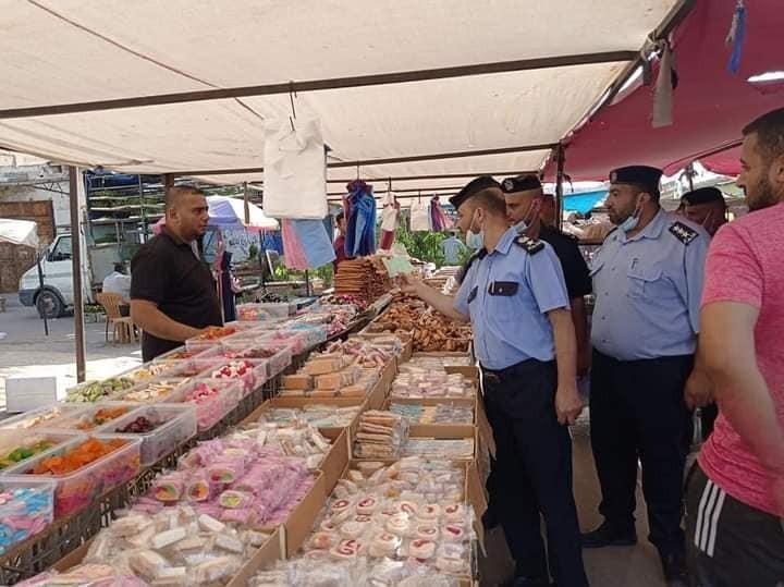 شاهد.. داخلية غزة تنشر صوراً من جانب متابعة استئناف عمل سوق السبت