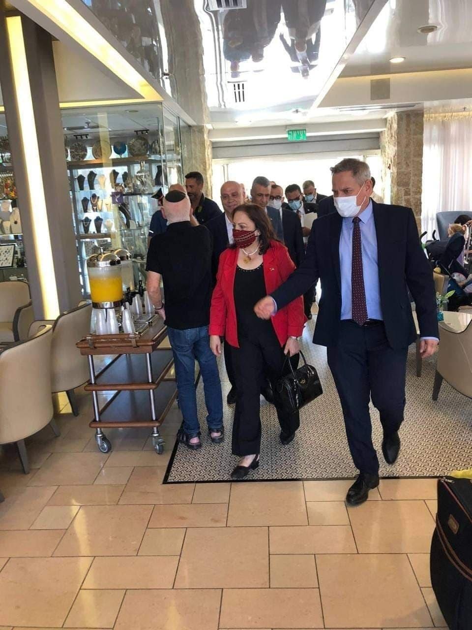 """الكشف عن تفاصيل أول لقاء بين وزراء فلسطينيين و""""إسرائيليين"""" بالقدس"""
