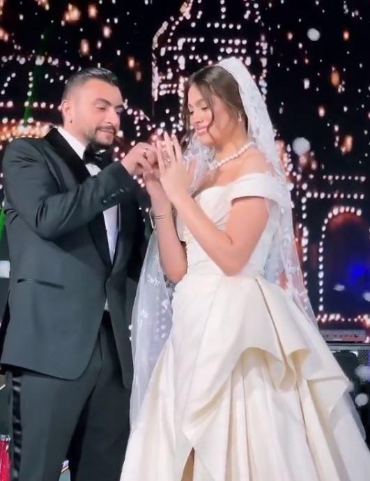 57100-هاجر-احمد-وزوجها-(6).jpg