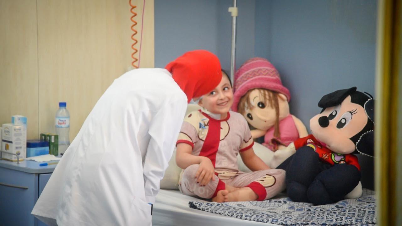"""""""الصحة المصرية"""" تُصدر بيانًا بشأن طفلة فلسطينية مصابة بمرض نادر"""