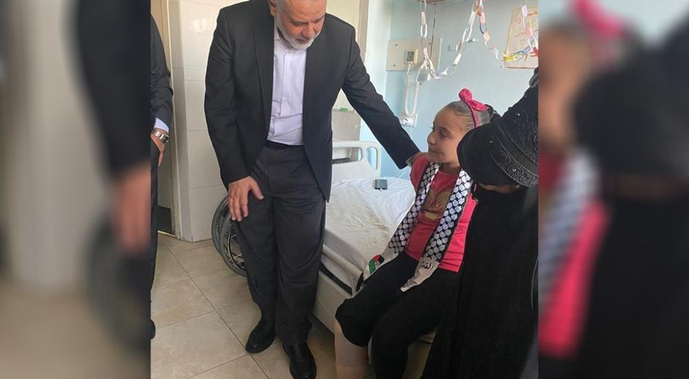وفد من حركة حماس  برئاسة هنية يزورون مصابي غزة بالأردن