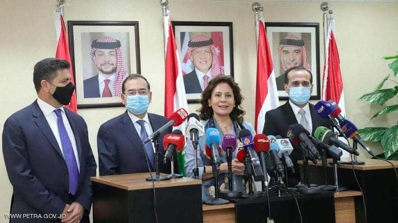 مصر: انتهاء ازمة الغاز والكهرباء في لبنان قريبا