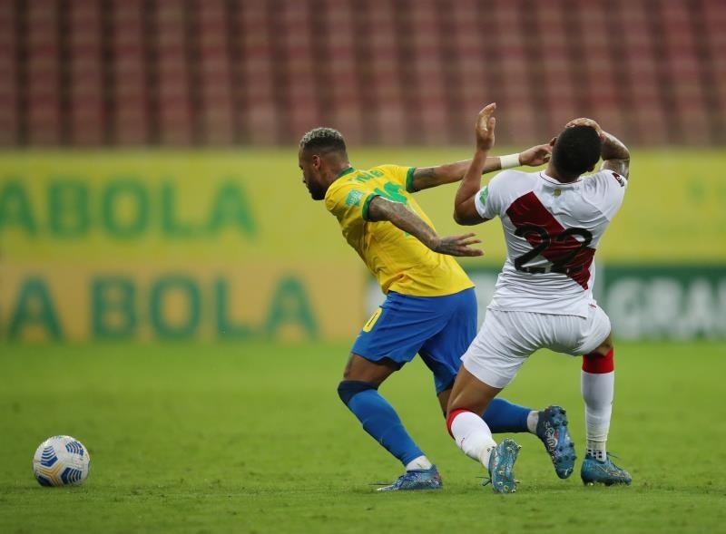 بالصور : البرازيل تعزز صدارتها لتصفيات المونديال بإسقاط بيرو