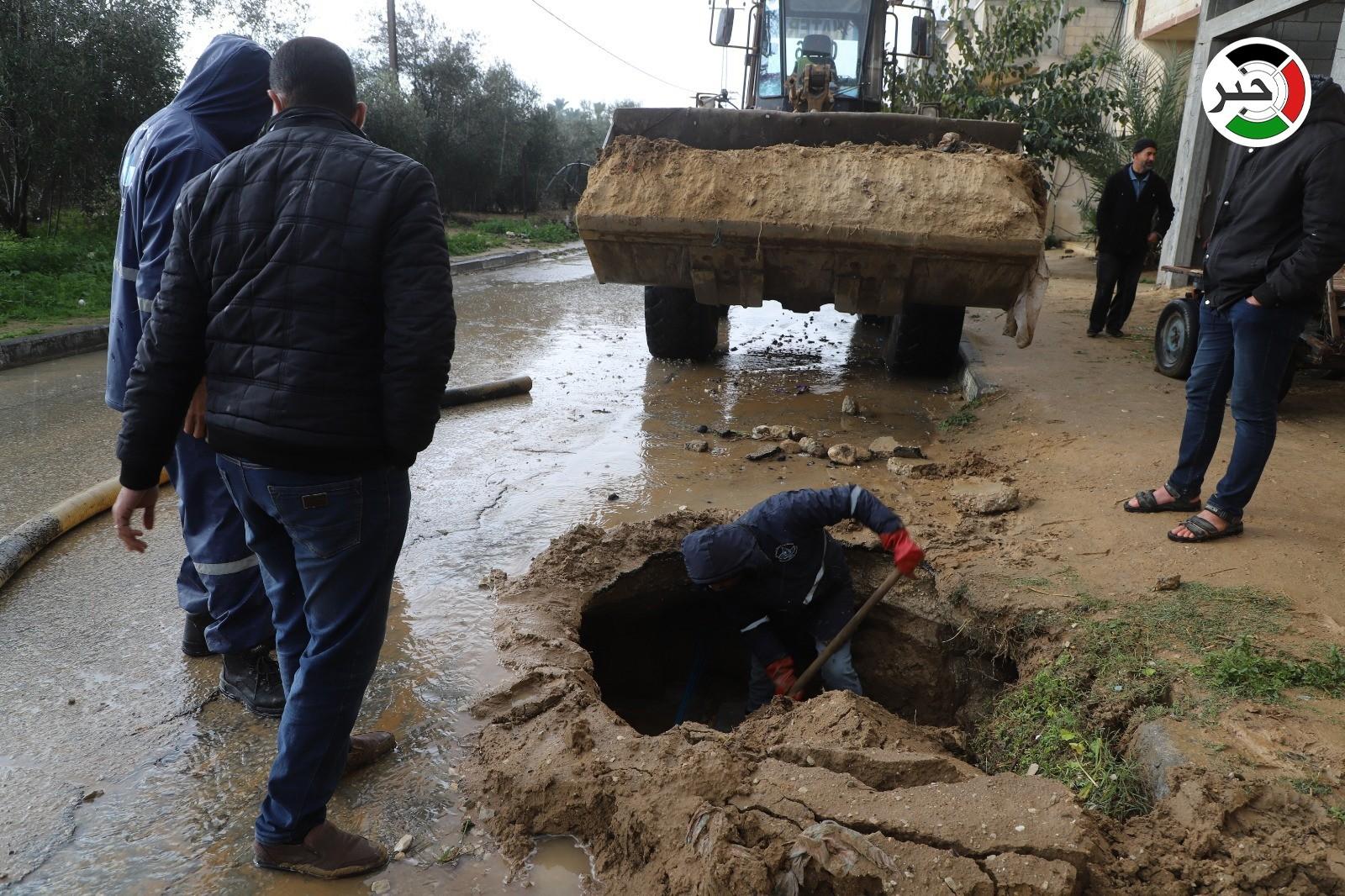شاهد: وسم #الشرقية_تنهار.. يُنذر بشتاءٍ قاسٍ على سكان أكثر المناطق المهمشة في خانيونس