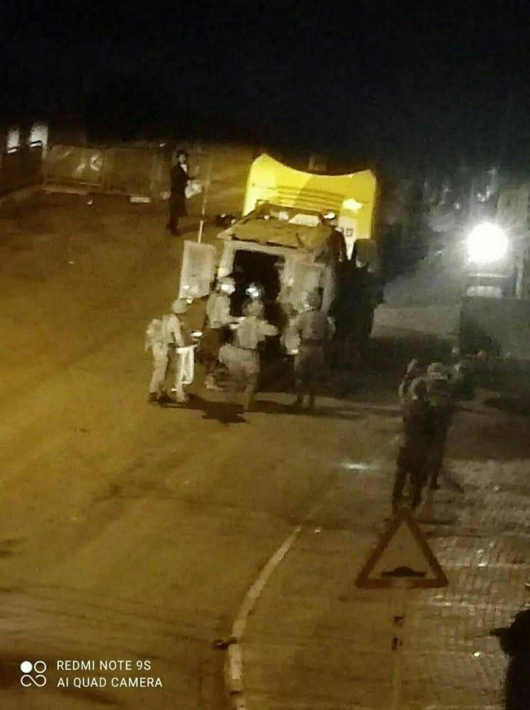 """بالفيديو: مواجهات عنيفة واشتباكات مسلحة قرب قبر """"يوسف"""" في نابلس"""