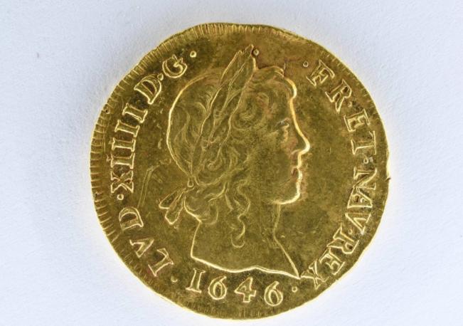 703067-عملة-ذهبية-نادرة.png